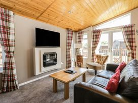 Crystal Lodge - North Yorkshire (incl. Whitby) - 1077343 - thumbnail photo 2