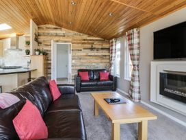 Crystal Lodge - North Yorkshire (incl. Whitby) - 1077343 - thumbnail photo 4