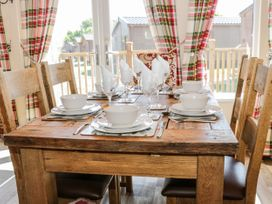 Crystal Lodge - North Yorkshire (incl. Whitby) - 1077343 - thumbnail photo 7
