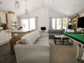 The Goodwood Lodge - Kent & Sussex - 1077953 - thumbnail photo 3