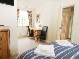 2 Perran Court - North Yorkshire (incl. Whitby) - 1078259 - thumbnail photo 13