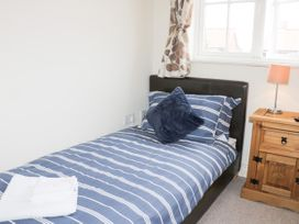 2 Perran Court - North Yorkshire (incl. Whitby) - 1078259 - thumbnail photo 15
