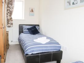 2 Perran Court - North Yorkshire (incl. Whitby) - 1078259 - thumbnail photo 17