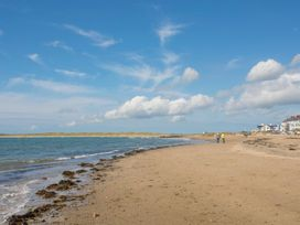 Y Goedwig - Anglesey - 1078288 - thumbnail photo 36