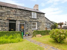 Arthur's Cottage - North Wales - 1078526 - thumbnail photo 2