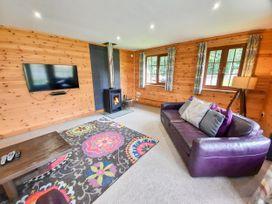 Cedar Wood Lodge Executive - North Wales - 1078700 - thumbnail photo 4