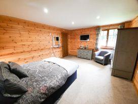 Cedar Wood Lodge Executive - North Wales - 1078700 - thumbnail photo 9