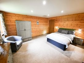 Cedar Wood Lodge Executive - North Wales - 1078700 - thumbnail photo 11