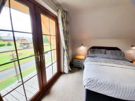Cedar Wood Lodge Executive - North Wales - 1078700 - thumbnail photo 17