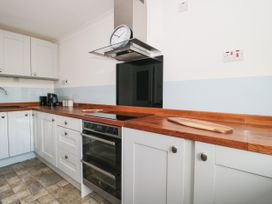 The Harbourside Apartment - Dorset - 1078822 - thumbnail photo 7