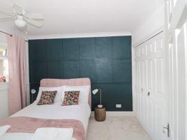 The Harbourside Apartment - Dorset - 1078822 - thumbnail photo 10