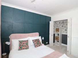 The Harbourside Apartment - Dorset - 1078822 - thumbnail photo 11