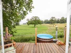 The Lazy Mare by The Water - Peak District - 1079029 - thumbnail photo 13