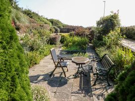 The Hideaway - Isle of Wight & Hampshire - 1079385 - thumbnail photo 23