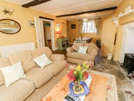 The Hideaway - Isle of Wight & Hampshire - 1079385 - thumbnail photo 7