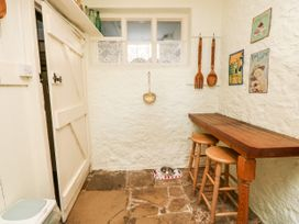 The Hideaway - Isle of Wight & Hampshire - 1079385 - thumbnail photo 11
