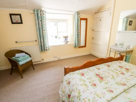 The Hideaway - Isle of Wight & Hampshire - 1079385 - thumbnail photo 15