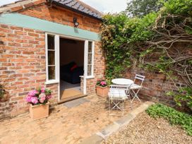 The Old Mower Shed - Lincolnshire - 1079408 - thumbnail photo 20