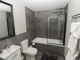 The Breathe Residence - North Wales - 1079458 - thumbnail photo 17