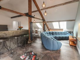 The Sigma Penthouse - North Wales - 1079460 - thumbnail photo 7
