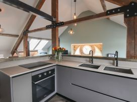 The Sigma Penthouse - North Wales - 1079460 - thumbnail photo 17