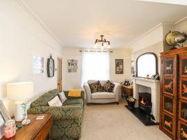Marina's Cottage - Suffolk & Essex - 1079578 - thumbnail photo 3