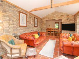 Coronation Cottage - Norfolk - 1079613 - thumbnail photo 2