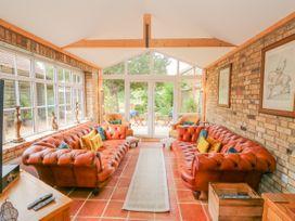 Coronation Cottage - Norfolk - 1079613 - thumbnail photo 3