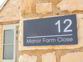 12 Manor Farm Close - Cotswolds - 1079812 - thumbnail photo 2