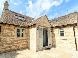 12 Manor Farm Close - Cotswolds - 1079812 - thumbnail photo 3