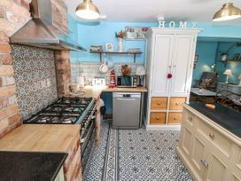 15 Maes Y Mor - Anglesey - 1079821 - thumbnail photo 14
