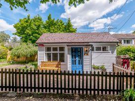 Shepherds Cottage - Kent & Sussex - 1079930 - thumbnail photo 1