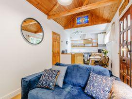 Shepherds Cottage - Kent & Sussex - 1079930 - thumbnail photo 10