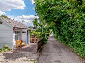 Shepherds Cottage - Kent & Sussex - 1079930 - thumbnail photo 21