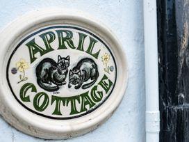 April Cottage - Cornwall - 1080331 - thumbnail photo 2
