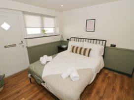 Lodge 19 - North Wales - 1080489 - thumbnail photo 9