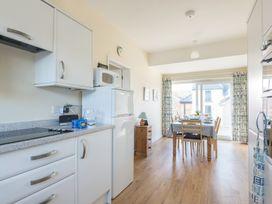 The Holiday House (2 Atlantic Mews) - Cornwall - 1080501 - thumbnail photo 2