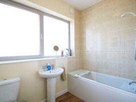 The Holiday House (2 Atlantic Mews) - Cornwall - 1080501 - thumbnail photo 8