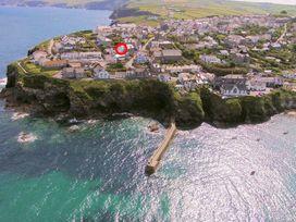 Upper Deck - Cornwall - 1080520 - thumbnail photo 3