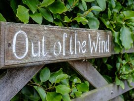 Out of the Wind - Cornwall - 1080618 - thumbnail photo 2