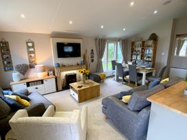 Meadow Lodge - North Yorkshire (incl. Whitby) - 1080804 - thumbnail photo 8