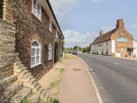 The Old Custom House - Suffolk & Essex - 1080845 - thumbnail photo 2
