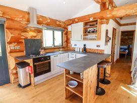 Cedar Cabin - Cotswolds - 1080941 - thumbnail photo 5