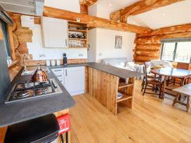 Cedar Cabin - Cotswolds - 1080941 - thumbnail photo 6