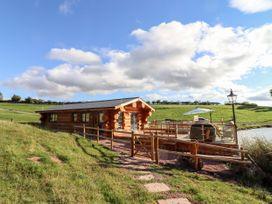 Cedar Cabin - Cotswolds - 1080941 - thumbnail photo 2