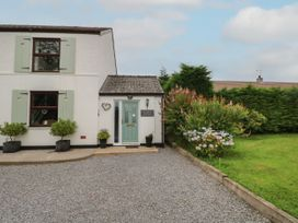 Beatrice Cottage - South Wales - 1081066 - thumbnail photo 1