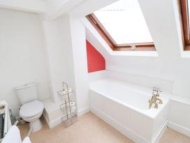 The Collingwood Apartment B - Northumberland - 1081137 - thumbnail photo 12