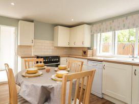 Cosy Cottage - Kent & Sussex - 1081188 - thumbnail photo 8