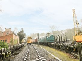 Trackside Cottage - North Yorkshire (incl. Whitby) - 1081378 - thumbnail photo 15