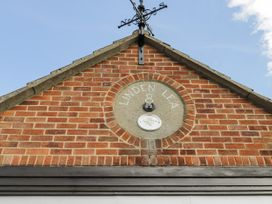 8 Coronation Avenue - North Yorkshire (incl. Whitby) - 1081722 - thumbnail photo 5